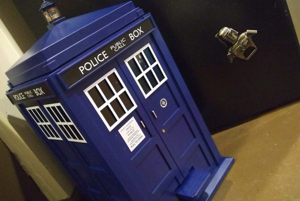 dr who tardis trash can