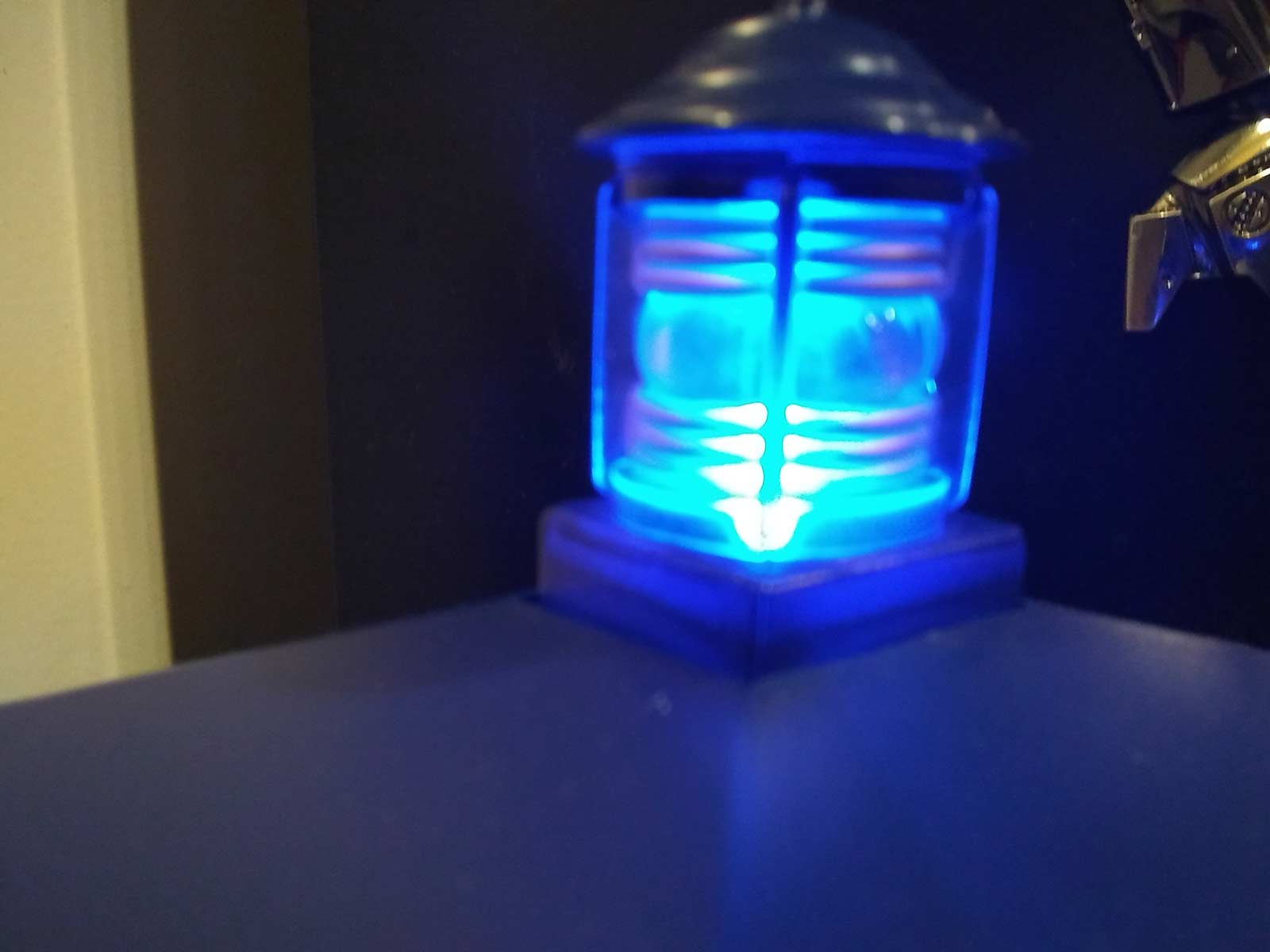 dr who trash can light